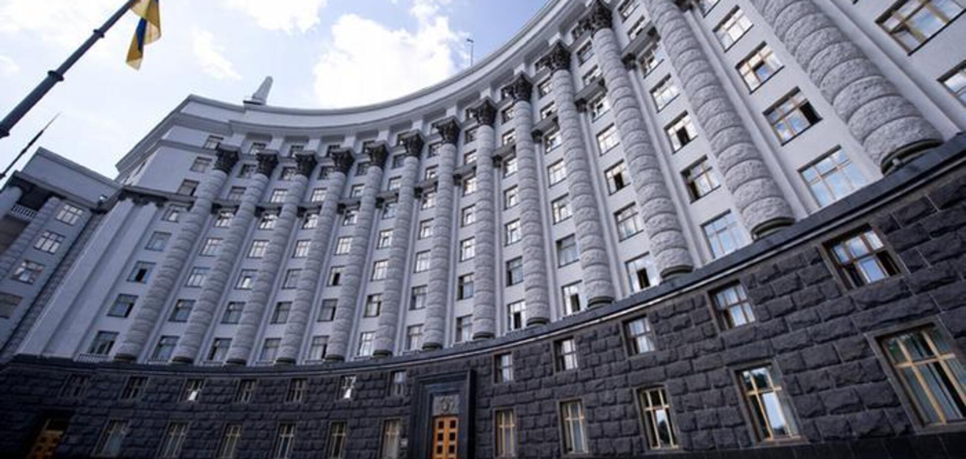 Кабінет Міністрів написав Верховній Раді перехідний законопроєкт про НАБУ, який ніяк не регулює проблему з неконституційністю