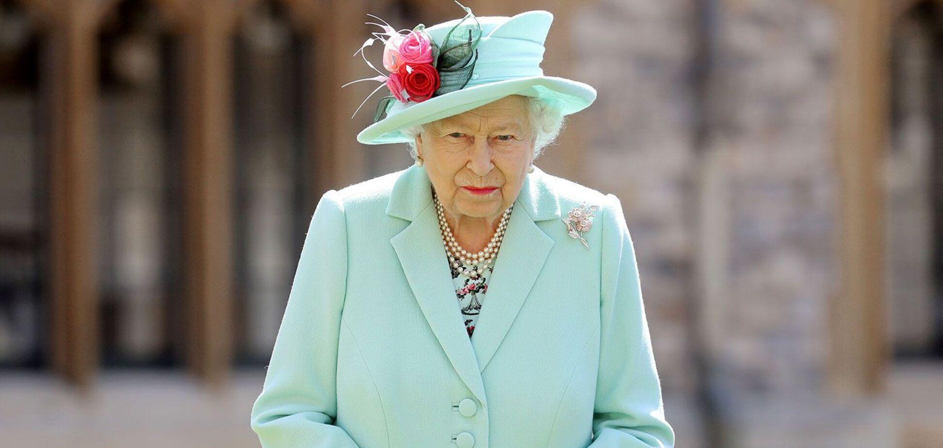 Для королевы Елизаветы II создадут перчатки, защищающие от COVID-19