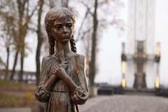Украинские звезды почтили память жертв голодоморов: трогательные обращения