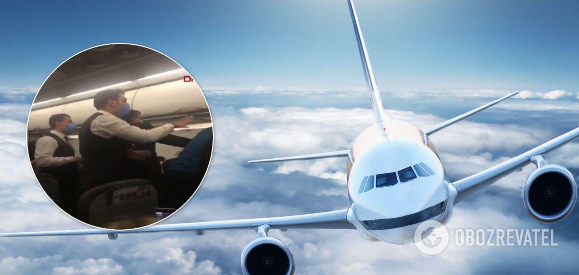 Самолет в Турции