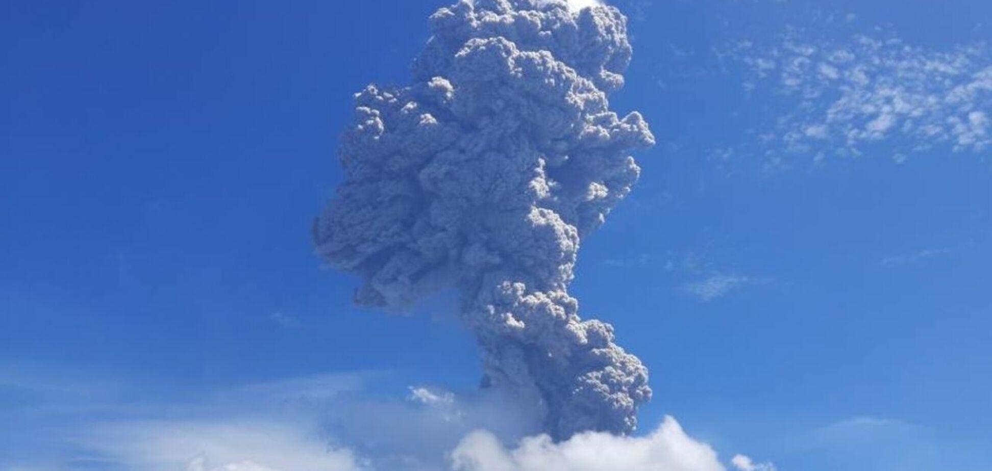 В Индонезии проснулся вулкан Левотоло