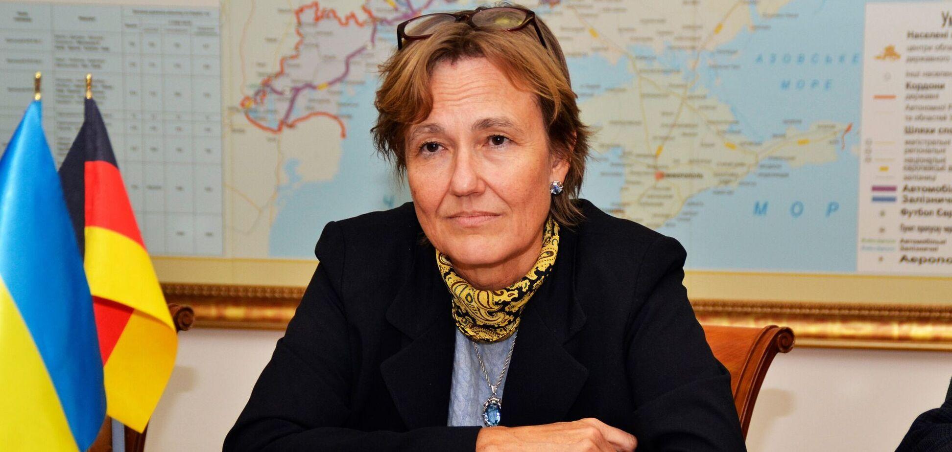 Анка Фельдгузен выразила свое мнение о Будапештском меморандуме