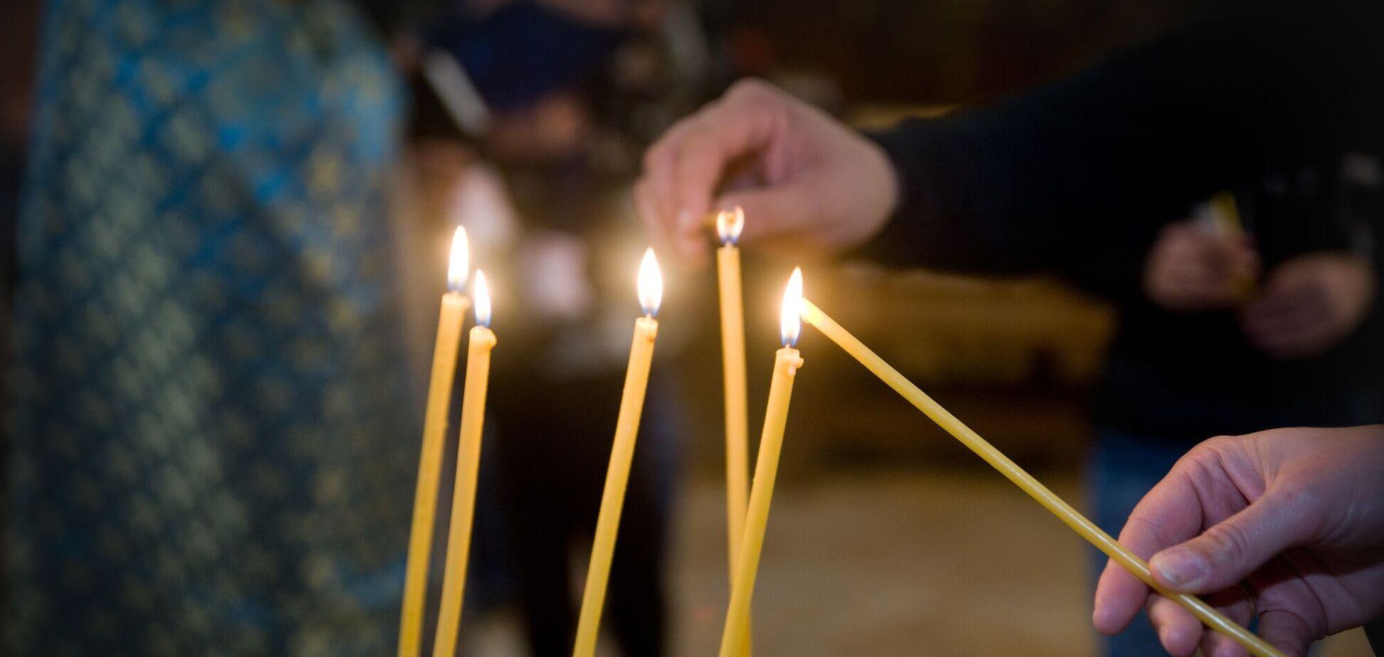 Дмитриевская суббота является общепризнанным в народе днем поминовения всех умерших православных христиан