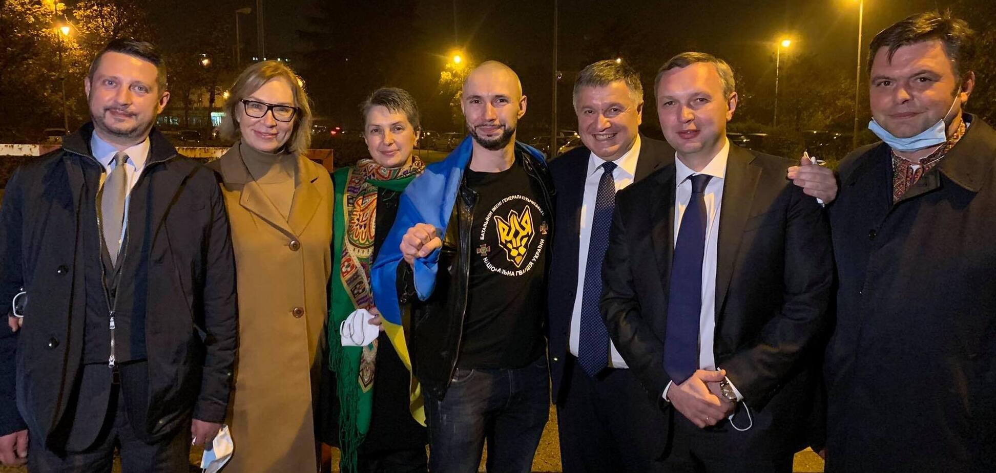 Маркив возвращается в Украину: фото из самолета