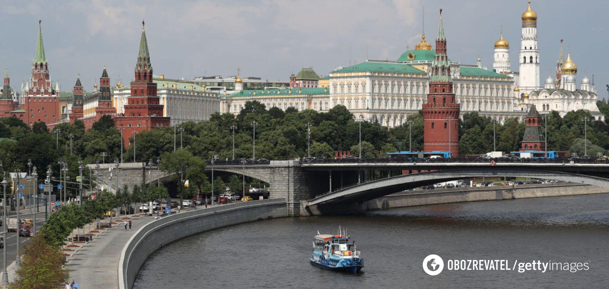 Россия в кольце революций