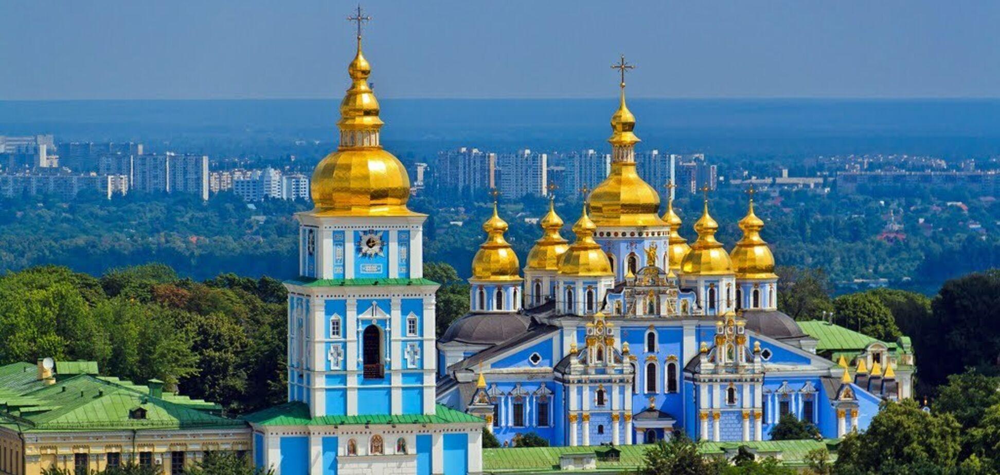 У мережі показали, що дивом уціліло після руйнування Михайлівського монастиря в Києві