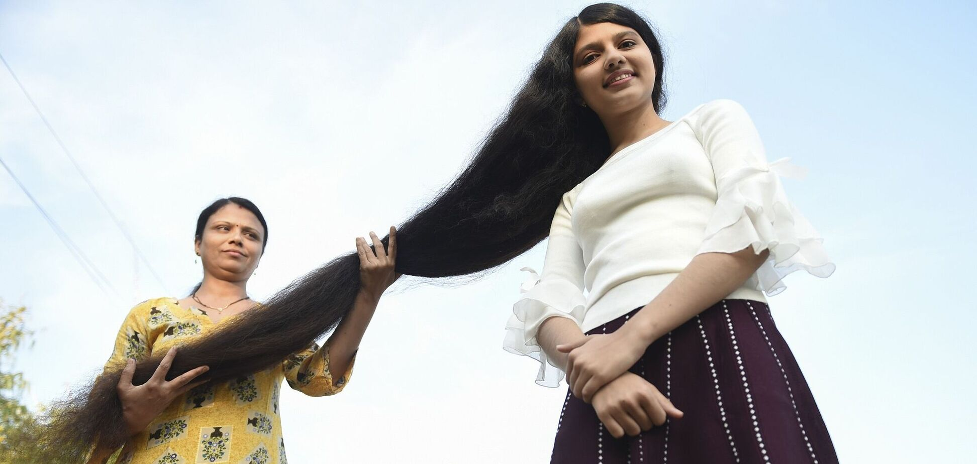 18-річна володарка найдовшого волосся двічі потрапила в Книгу рекордів Гіннеса: як вона виглядає