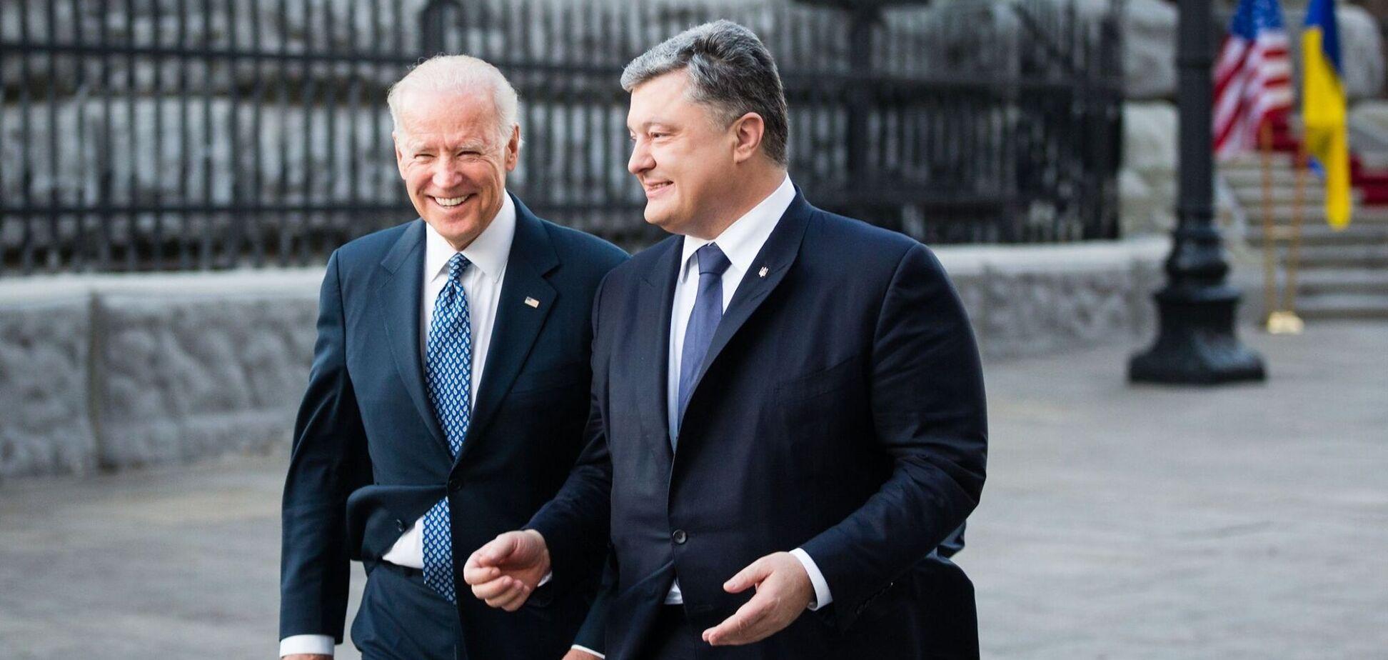 Порошенко поздравил Байдена с победой на выборах