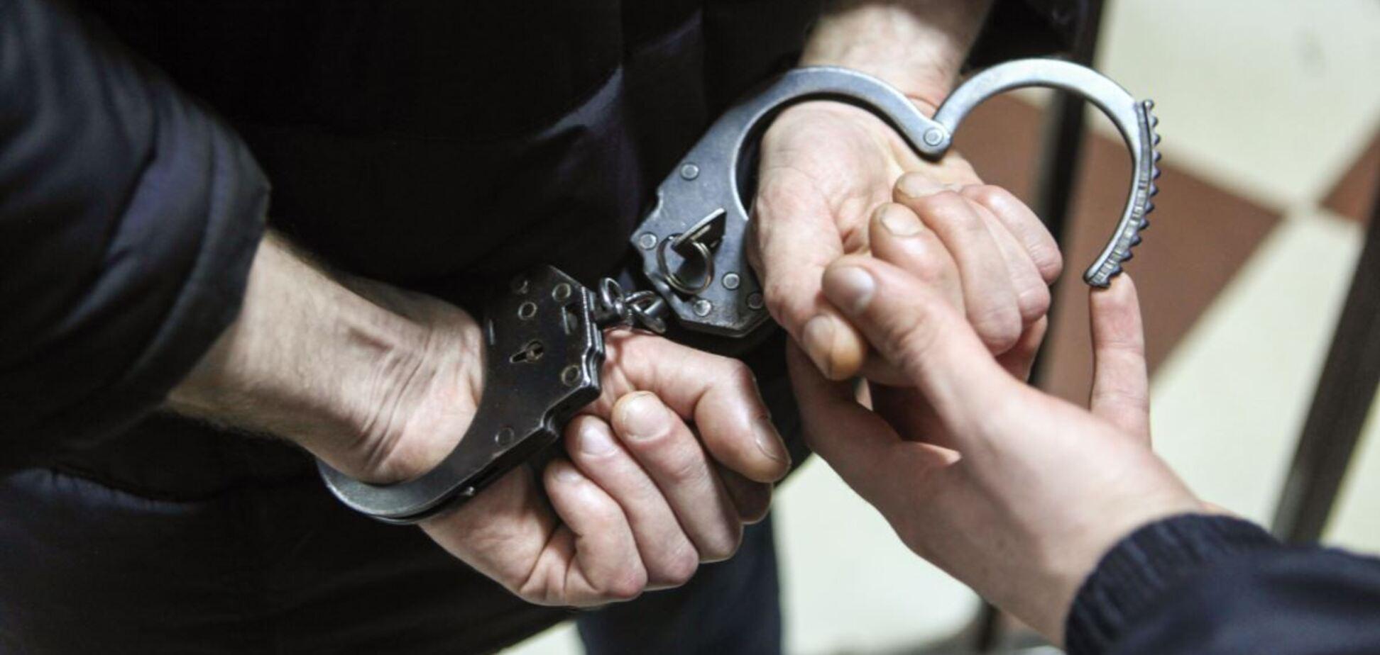 На кордоні з Кримом затримали спільника ФСБ