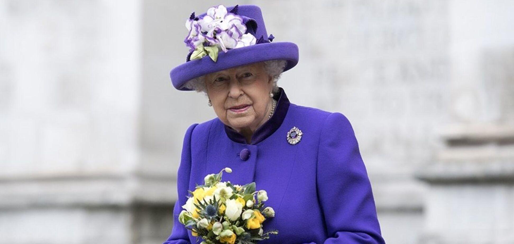 Єлизавета II стала жертвою розіграшу, після якого виник скандал: вона ледь не звільнила помічницю