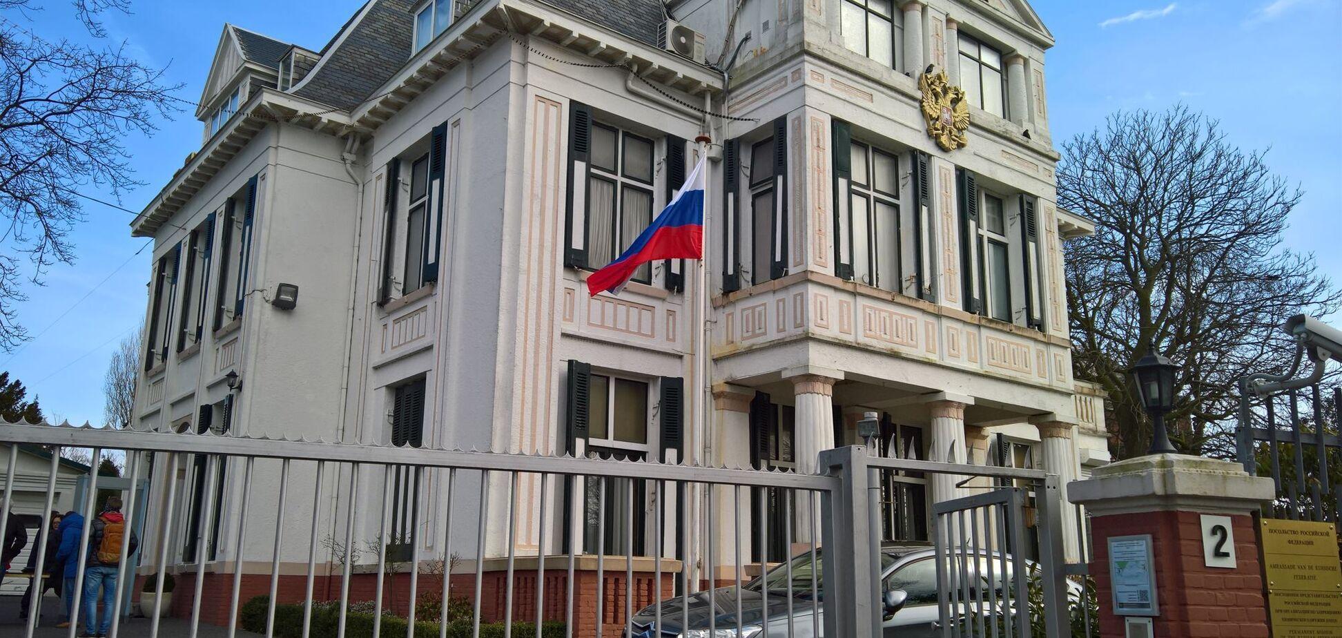 Нидерланды выдворят из страны российских дипломатов-шпионов