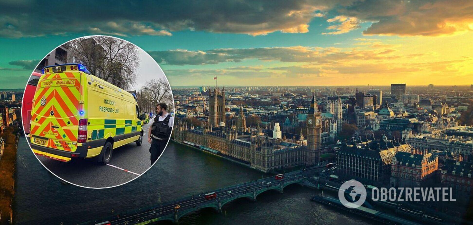 В Лондоне автомобиль въехал в пешеходов на тротуаре