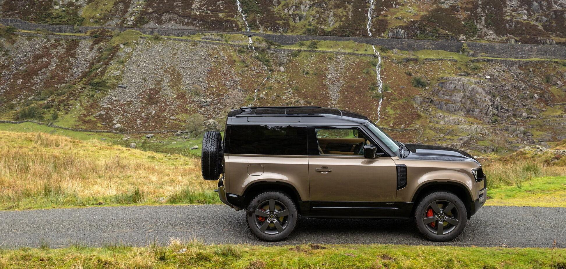 Тридверний Land Rover 90 збирається в Україну
