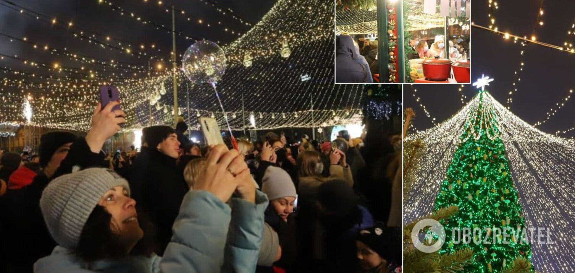 У Києві запалили головну ялинку України. Фото та відео