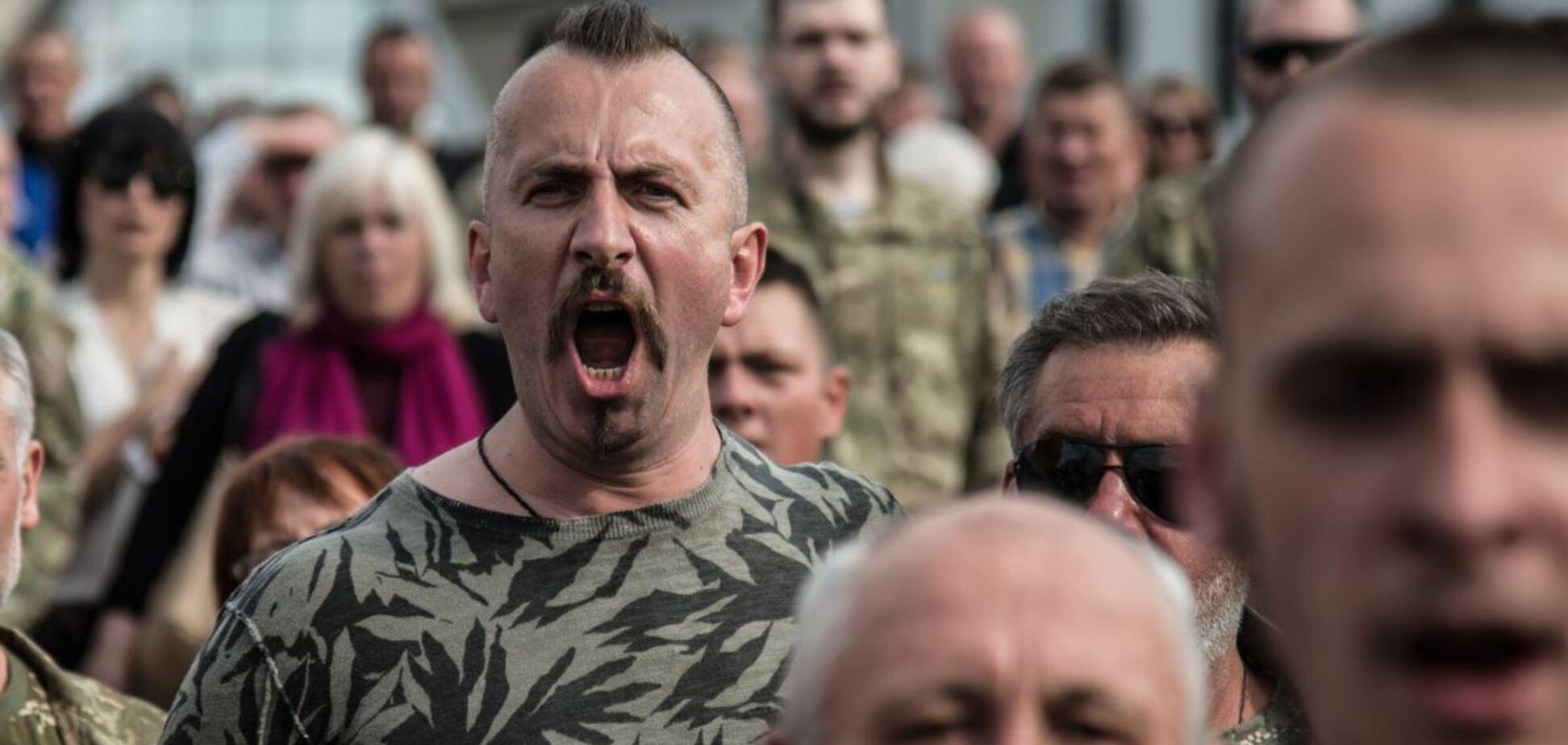 Порошенко вшанував пам'ять Василя Сліпака, який загинув на Донбасі