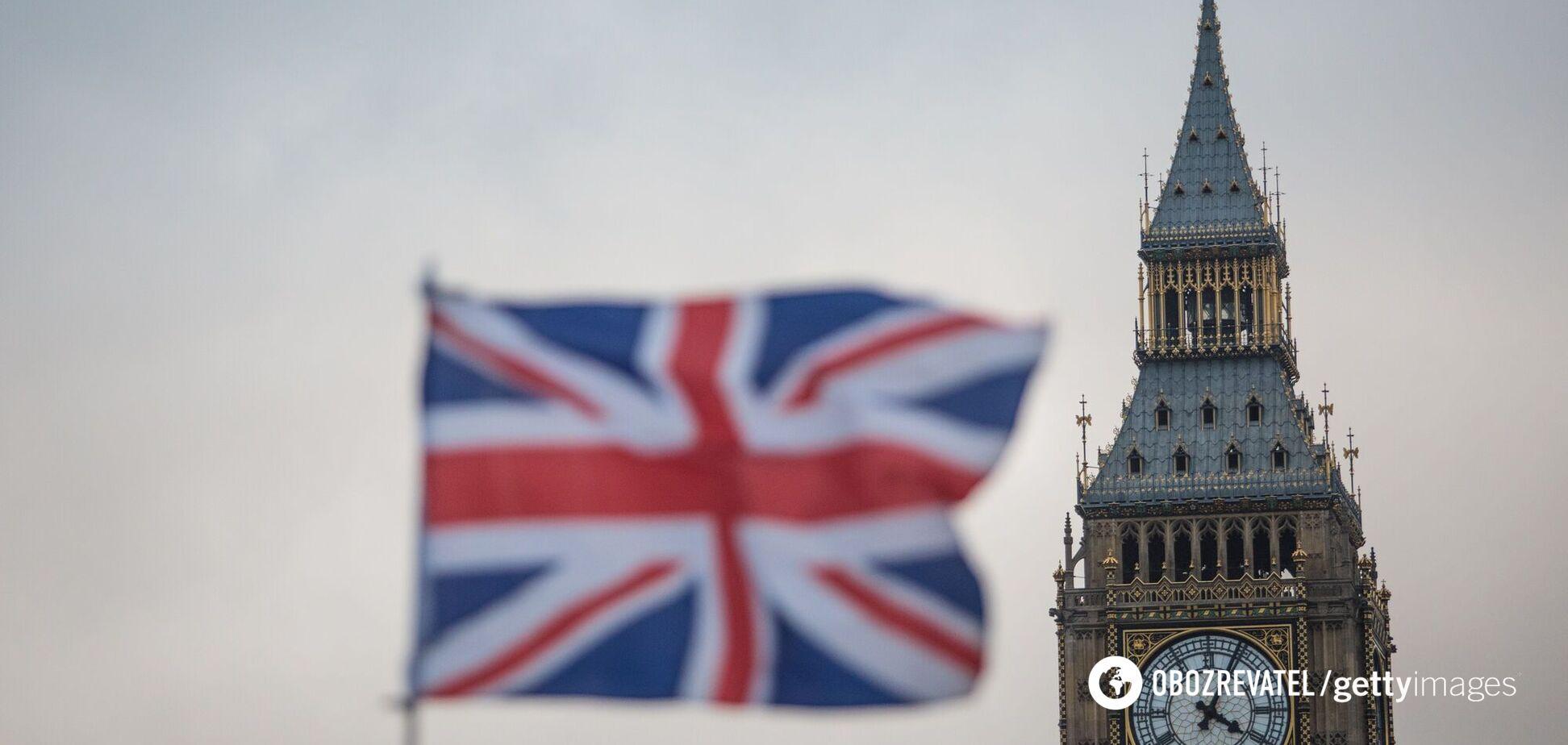 Великобританія вирішила поступово пом'якшувати карантин