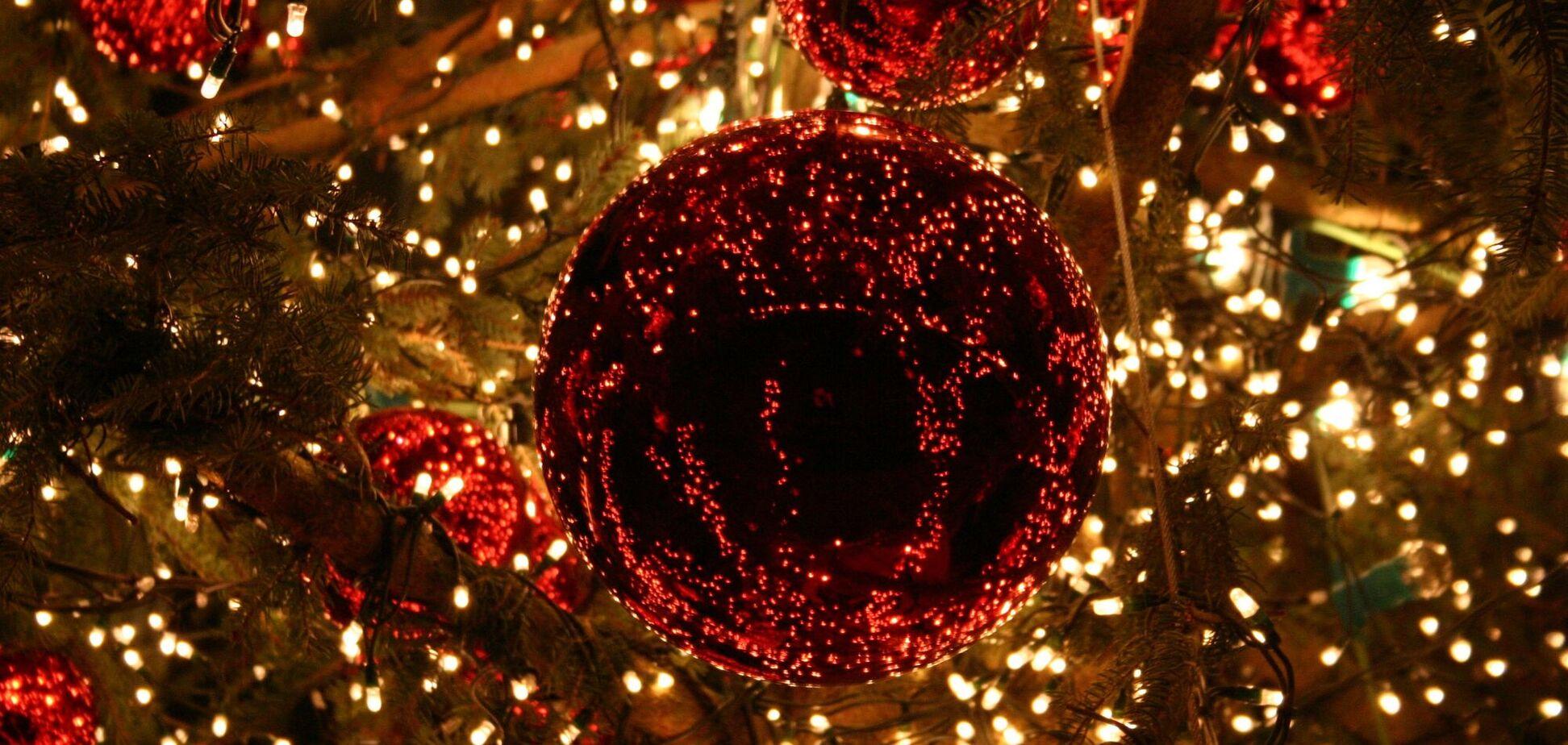 Новогодние ели раньше украшали обычными свечами