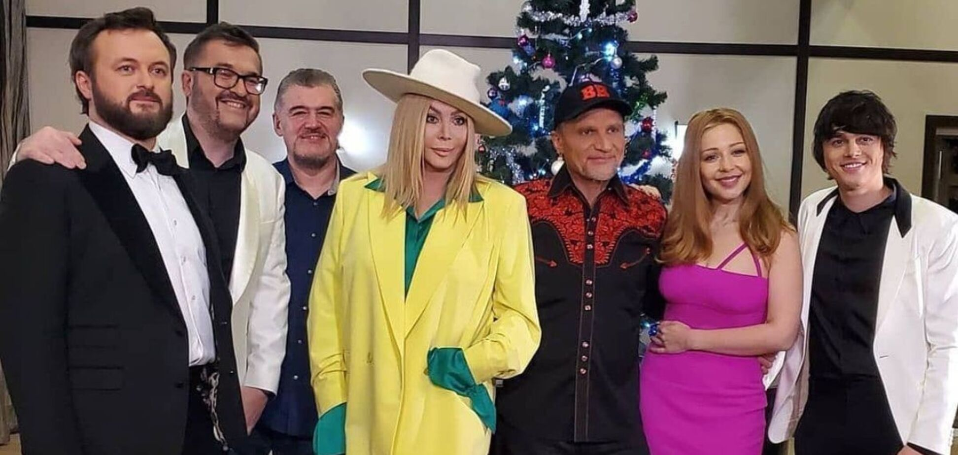 Украинские звезды исполнили известную колядку