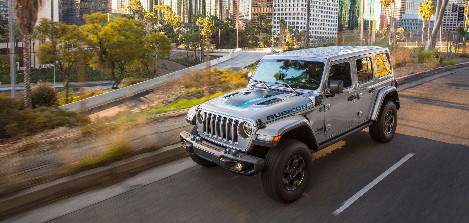 Jeep пополнил семейство моделей двумя эко-новинками