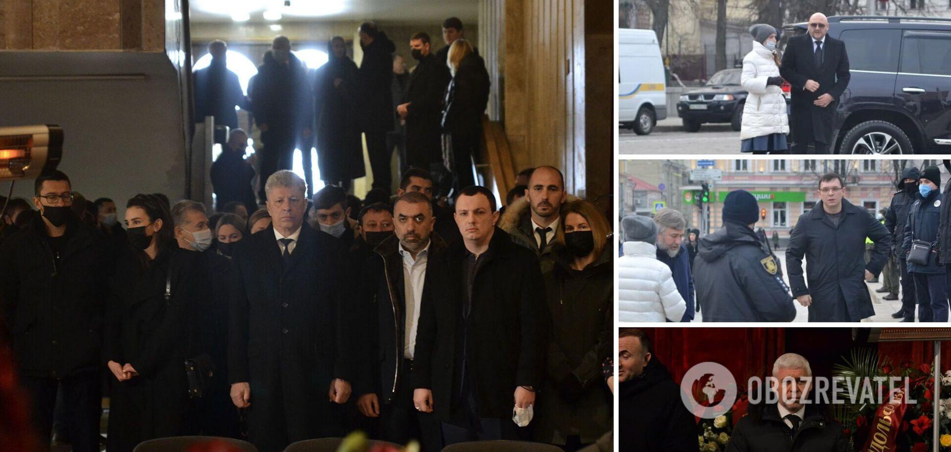 Политики на похоронах Кернеса