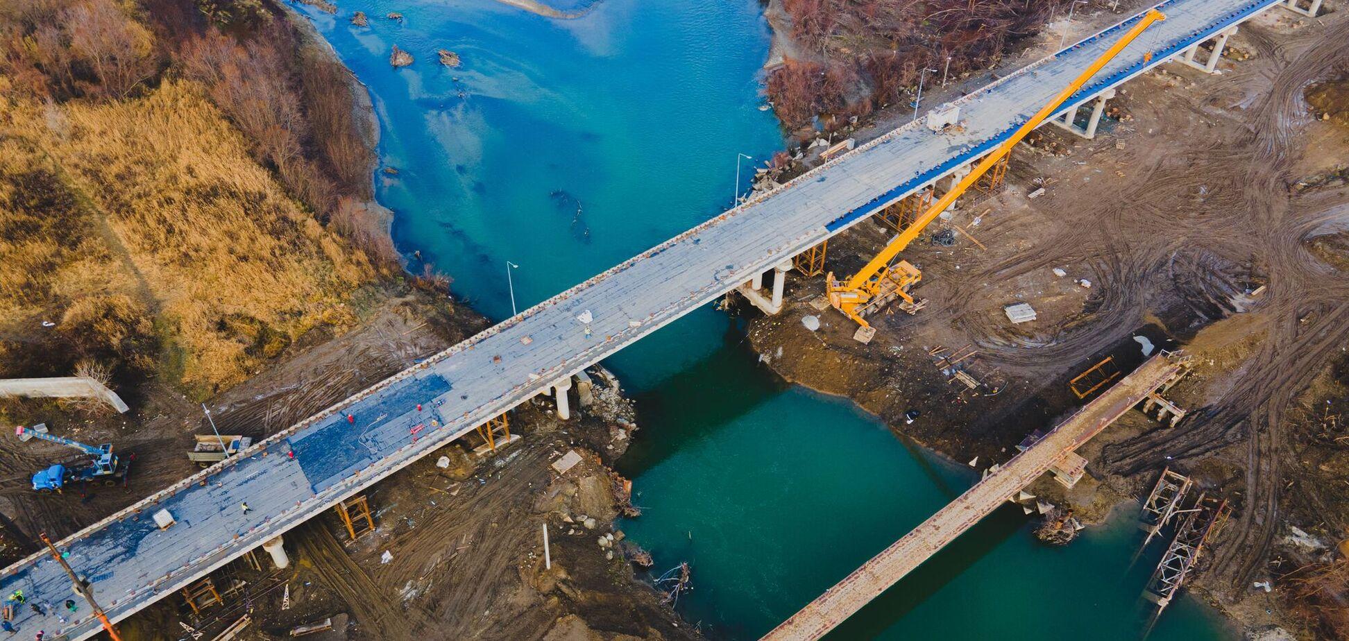 До кінця 2020 року в Україні запустять рух двома мостами-довгобудами