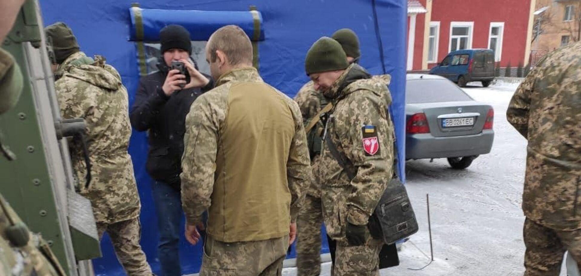 Терористи повернули Україні захопленого воїна ЗСУ