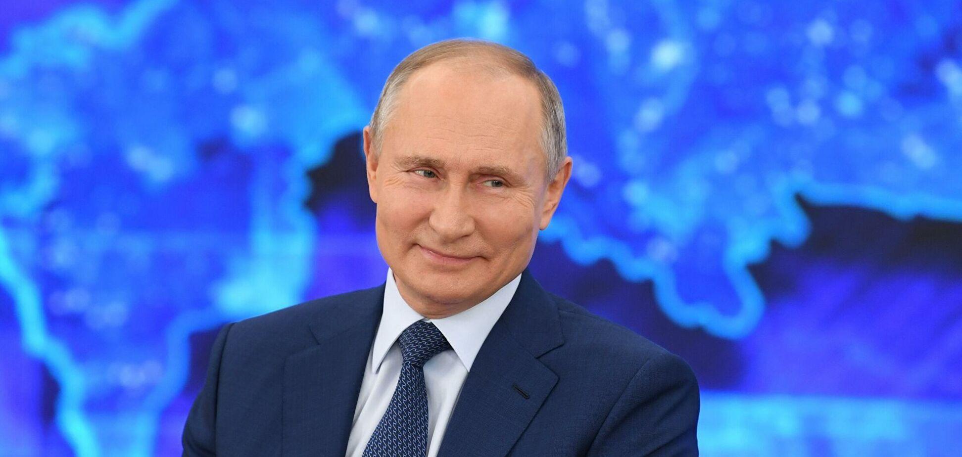 Пєсков: про події в Україні Путіну повідомляє Медведчук