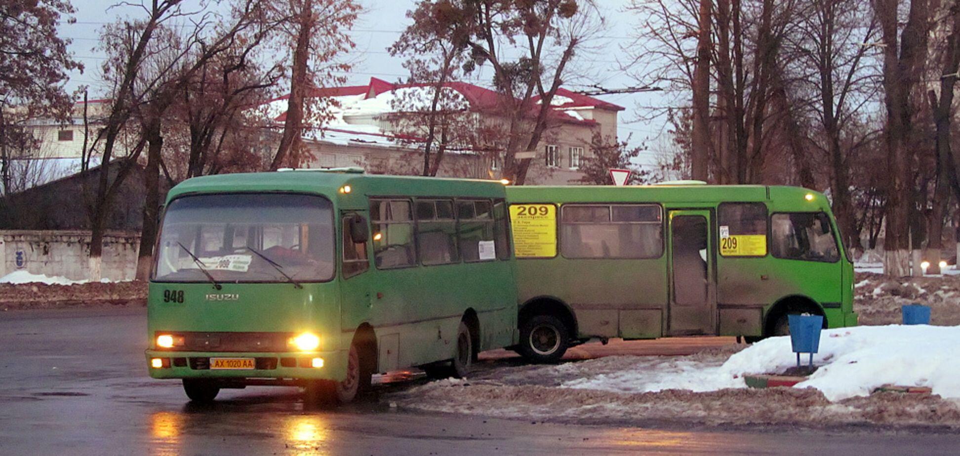 В Харькове больного дедушку пытались силой 'выкинуть' из маршрутки