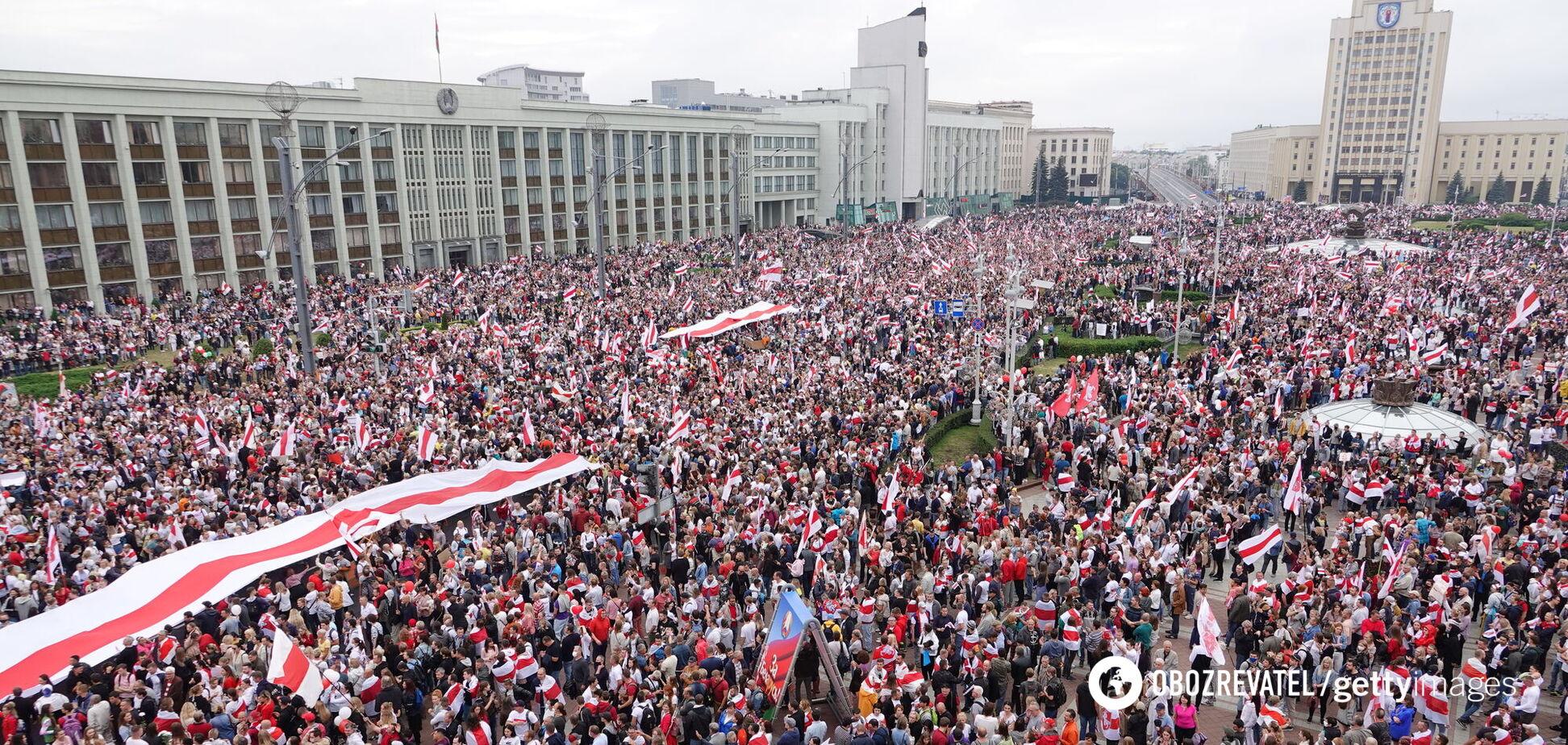 Протесты в Беларуси против 'президенства' Александра Лукашенко продолжаются с августа 2020 года