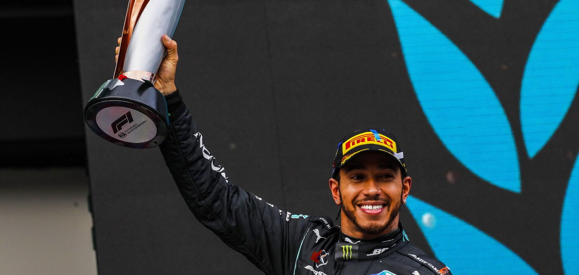 Гонщика F1 Льюїса Хемілтона посвятили у лицарі