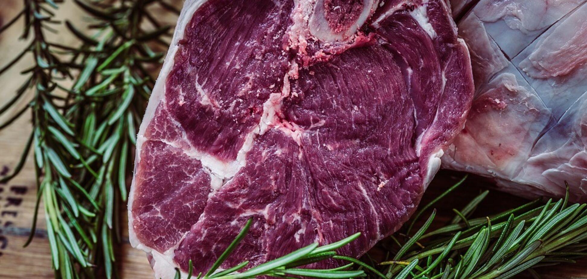 Употребление красного мяса связано с повышением уровня холестерина в крови