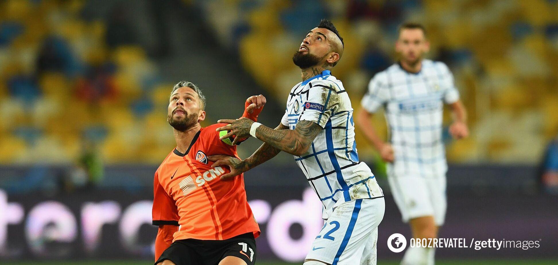 Марлос проти Артуро Відаля
