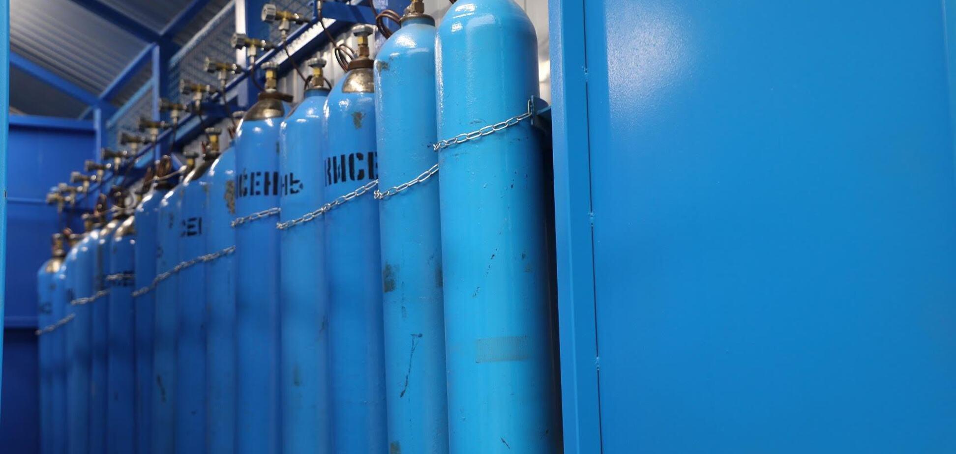 В больницы Мариуполя доставлено 1866 баллонов кислорода