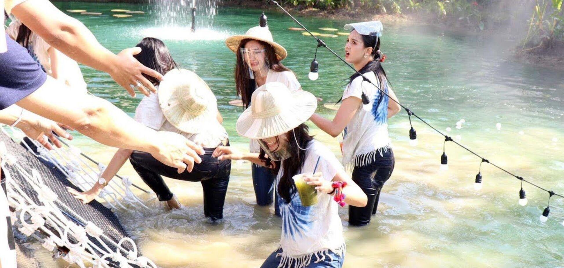 У Таїланді 30 учасниць конкурсу краси обірвалися з мосту: момент потрапив на відео