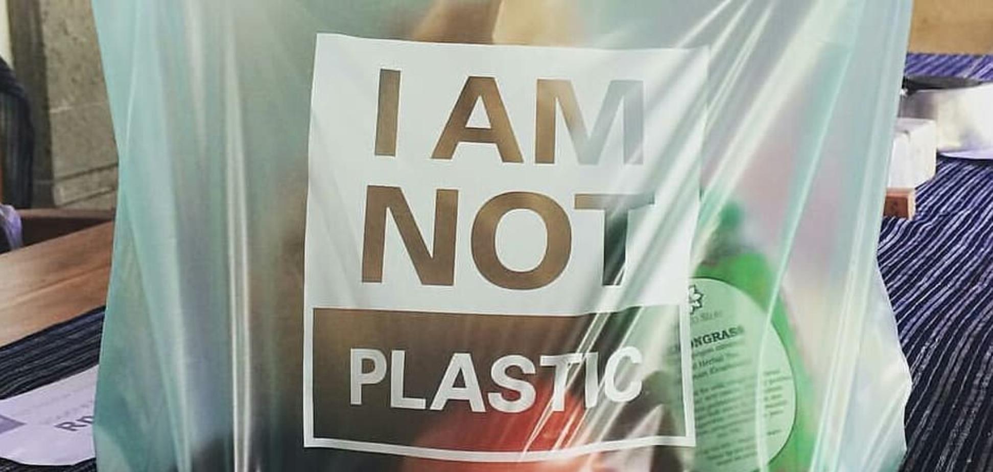 Крупные торговые сети Украины откажутся от пластиковых пакетов