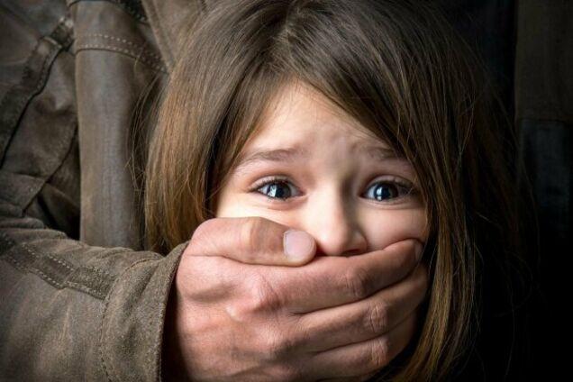 Постраждало вже 6 тисяч: в Україні взялися реформувати систему захисту прав дитини