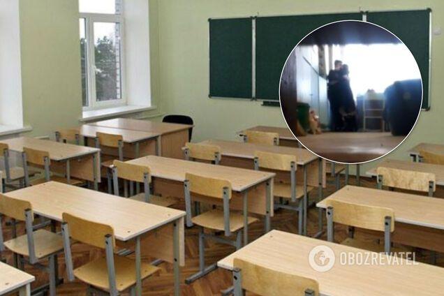 """""""Учительницу года"""", которая домогалась 9-классника, якобы уволили"""
