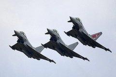 Истребители НАТО 'сцепились' с самолетами Путина в небе