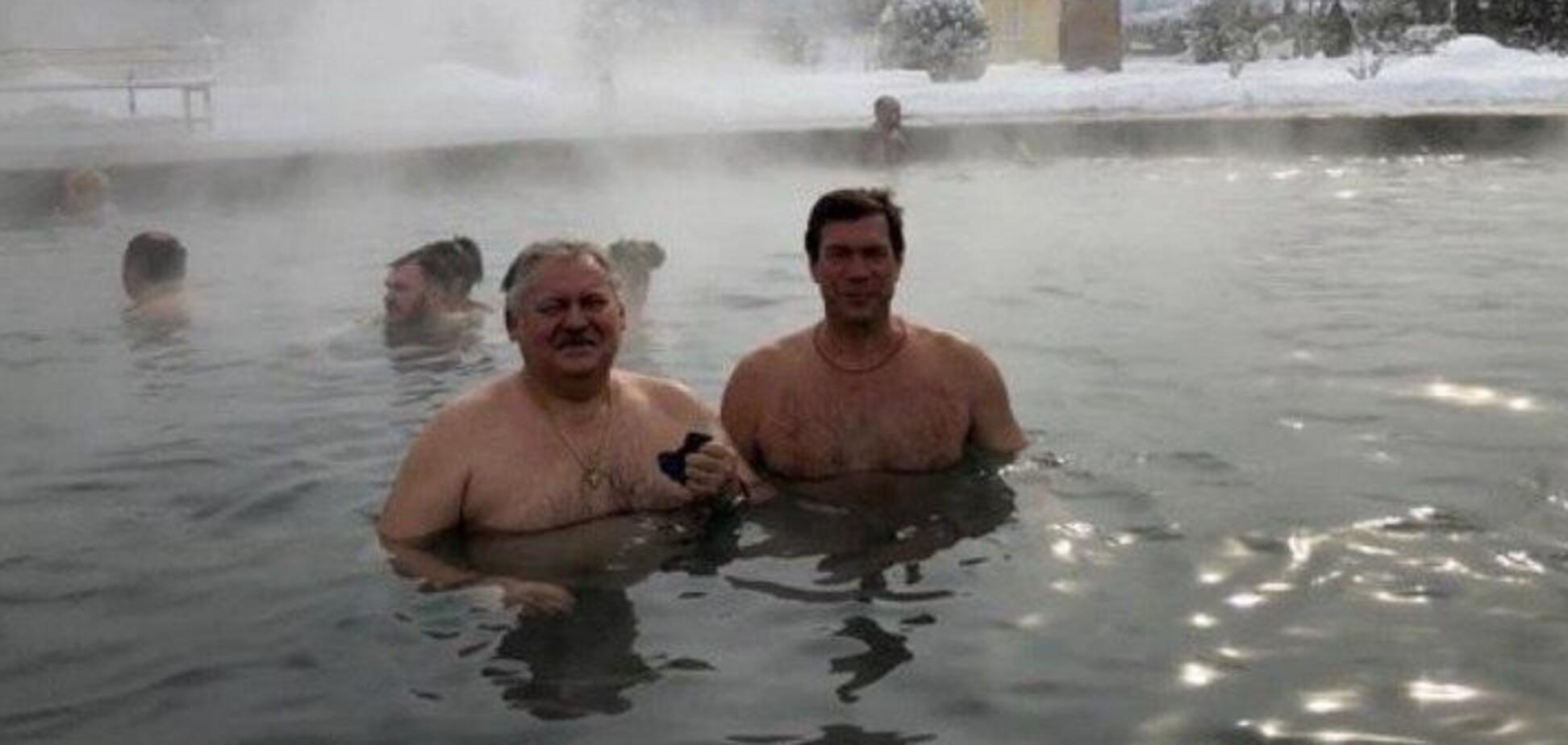Царьов похвалився купанням з депутатом Держдуми. Джерело: Telegram-канал ''AllГолобуцькій''