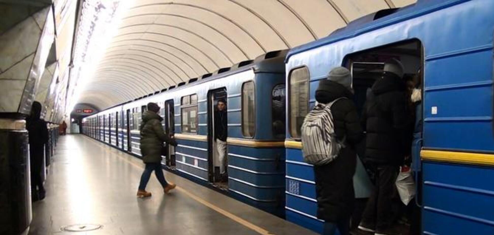 В метро Киева на глазах у матери чуть не похитили ребенка