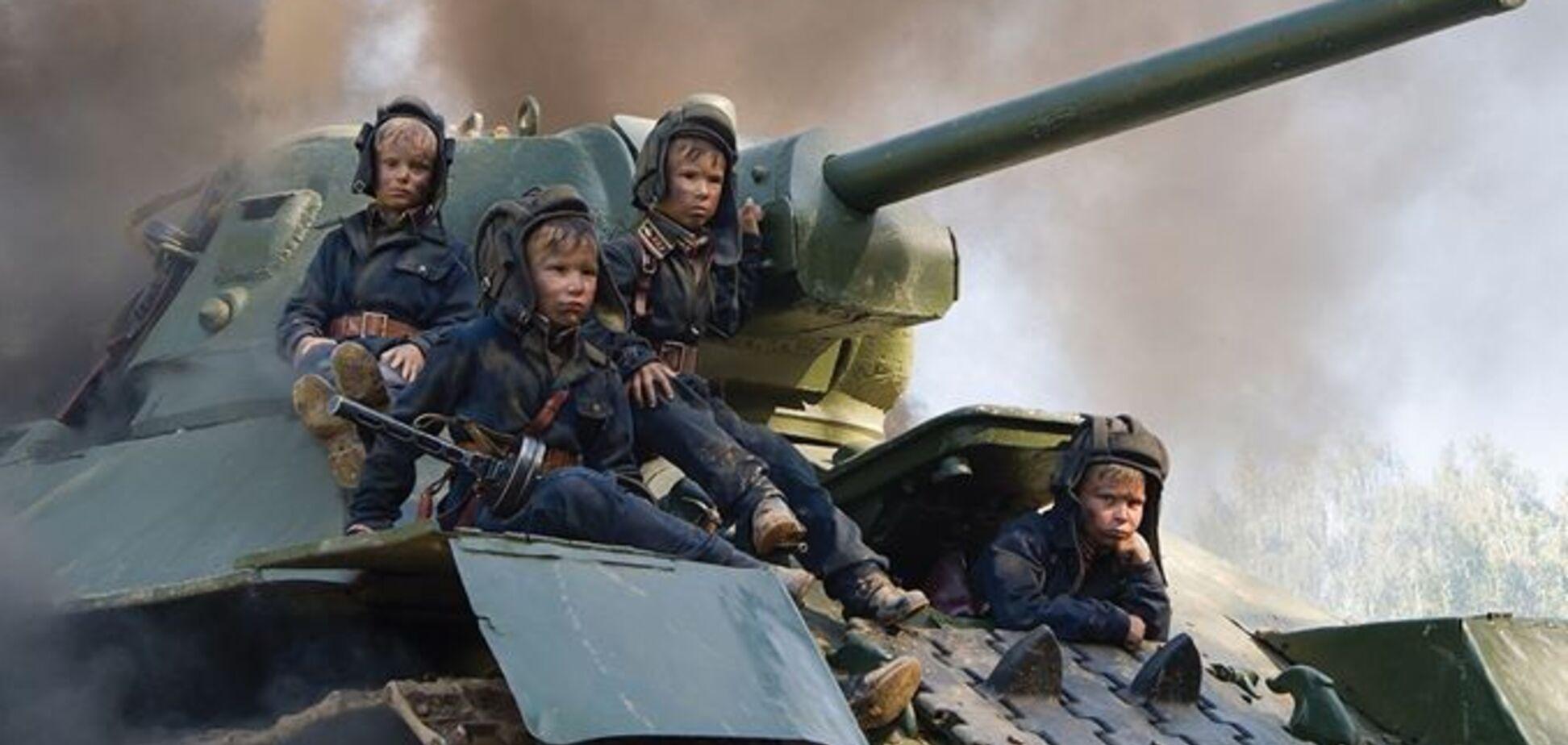 '75 років Перемоги': у мережі з'явилися фото скандального календаря із закривавленими дітьми