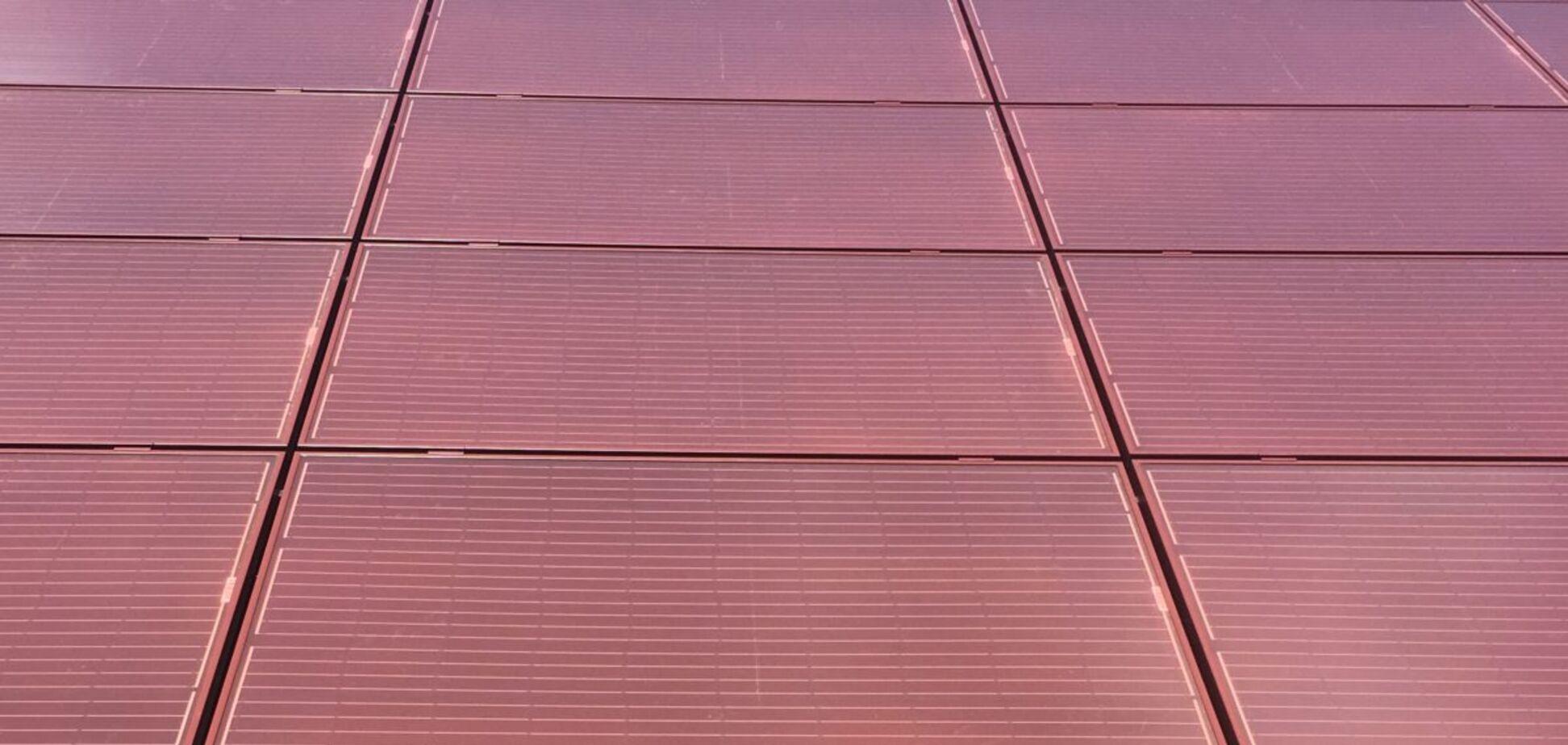 В Італії створили незвичайні різнокольорові панелі: який це має вигляд