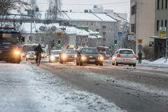 Штормовое предупреждение: как подготовиться к зимней непогоде