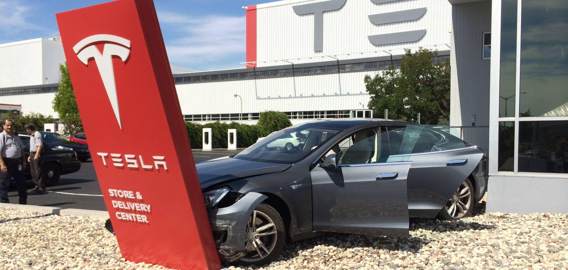 Tesla може позбавити українців своїх електромобілів: що вирішив автовиробник