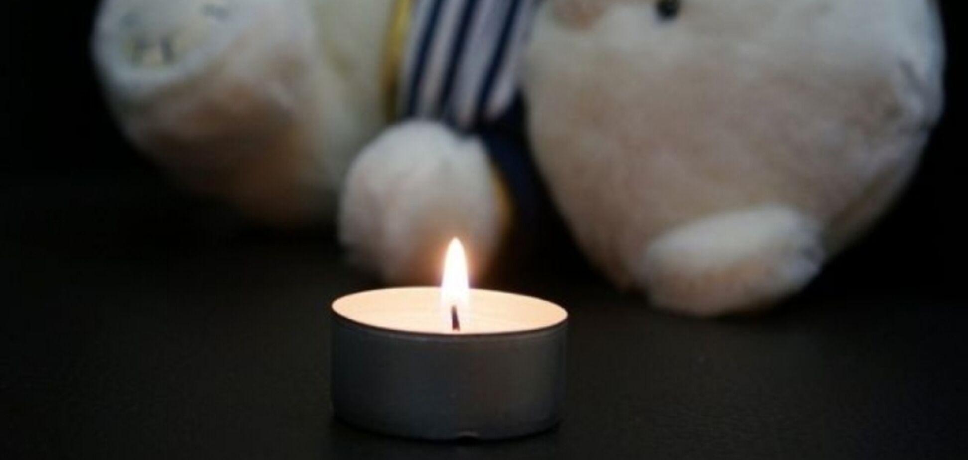 Родила в уличном туалете: под Днепром 17-летняя мать убила новорожденного
