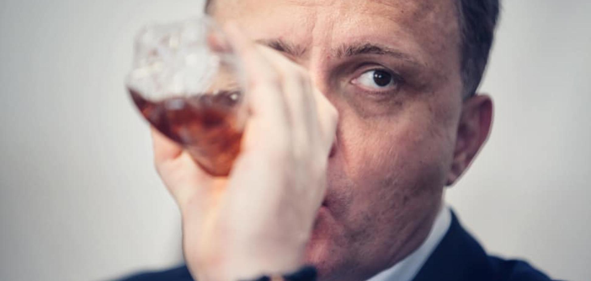 Левочкин снова пил в Раде странную жидкость: фото озадачило сеть