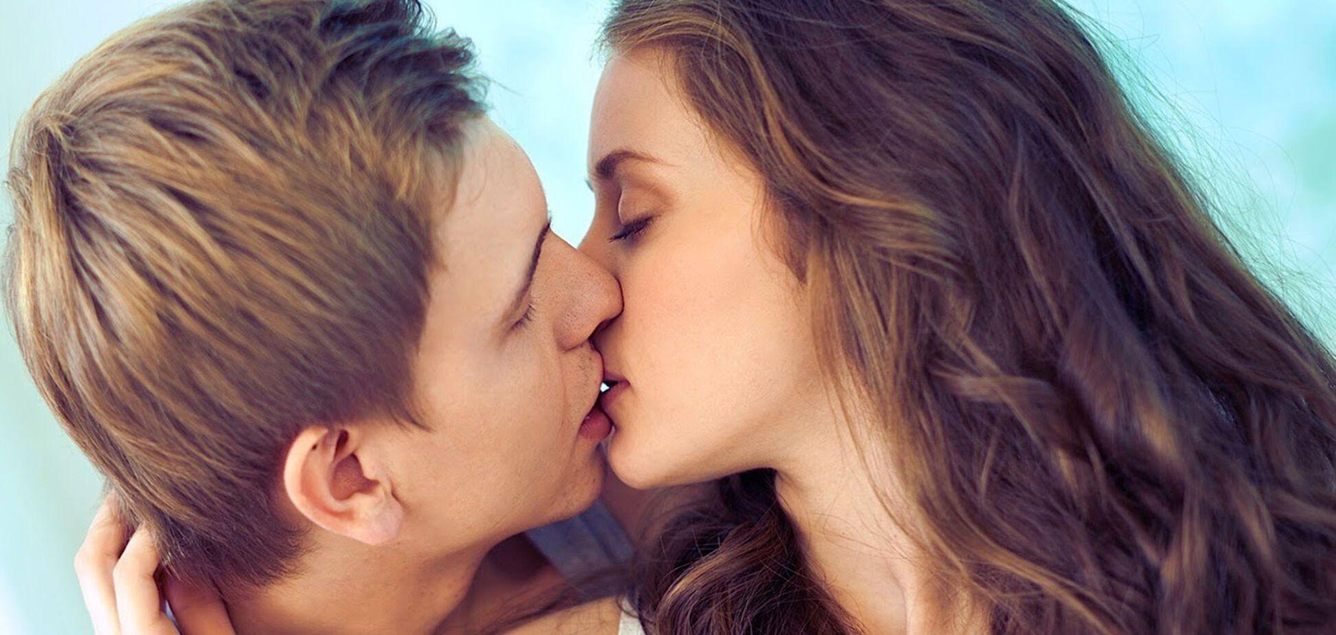 Допомагають схуднути і повертають молодість: названа користь поцілунків