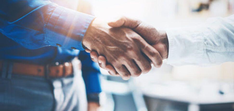 FinStream створила партнерські програми для розвитку бізнесу в Україні