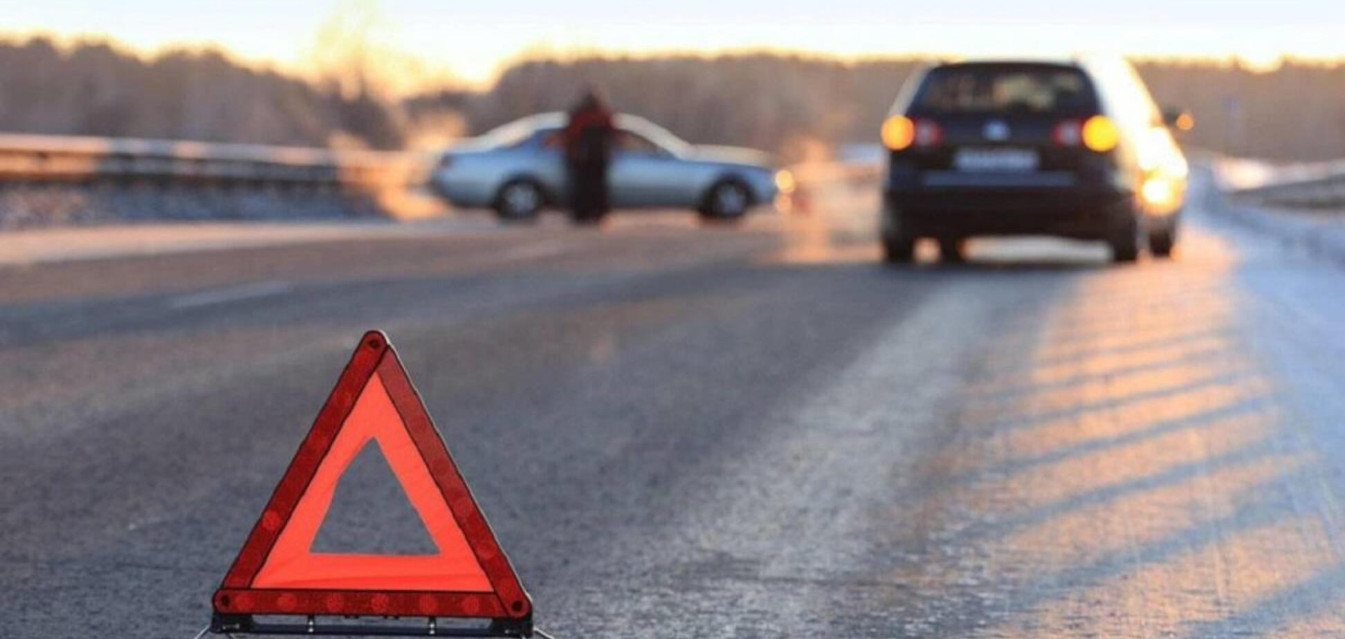 В центре Днепра маршрутка с пассажирами врезалась в джип: момент попал на видео