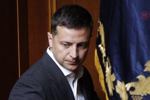 Рейтинг Зеленського з момену виборів впав майже вдвічі